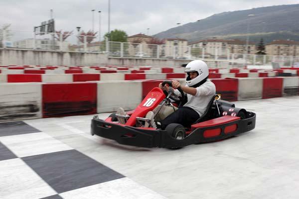Circuito Karts : Grupo zunzarren rótulos y eventos productos circuito de
